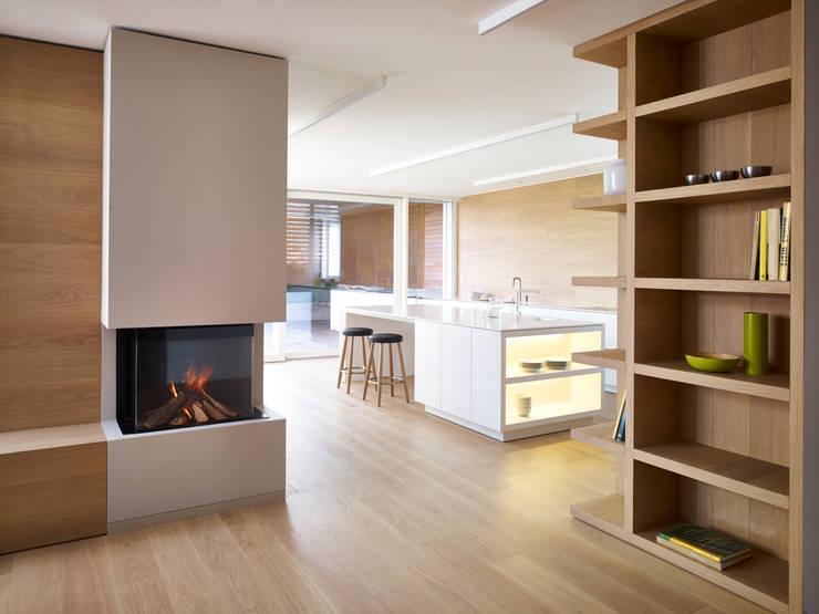 appartamento MP: Cucina in stile in stile Minimalista di Burnazzi  Feltrin  Architects