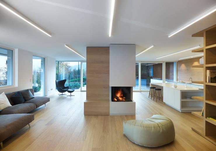 appartamento MP: Soggiorno in stile in stile Minimalista di Burnazzi  Feltrin  Architects