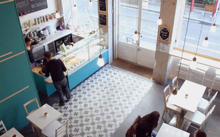 Little - Petits gâteaux : Locaux commerciaux & Magasins de style  par Johany Sapet Design