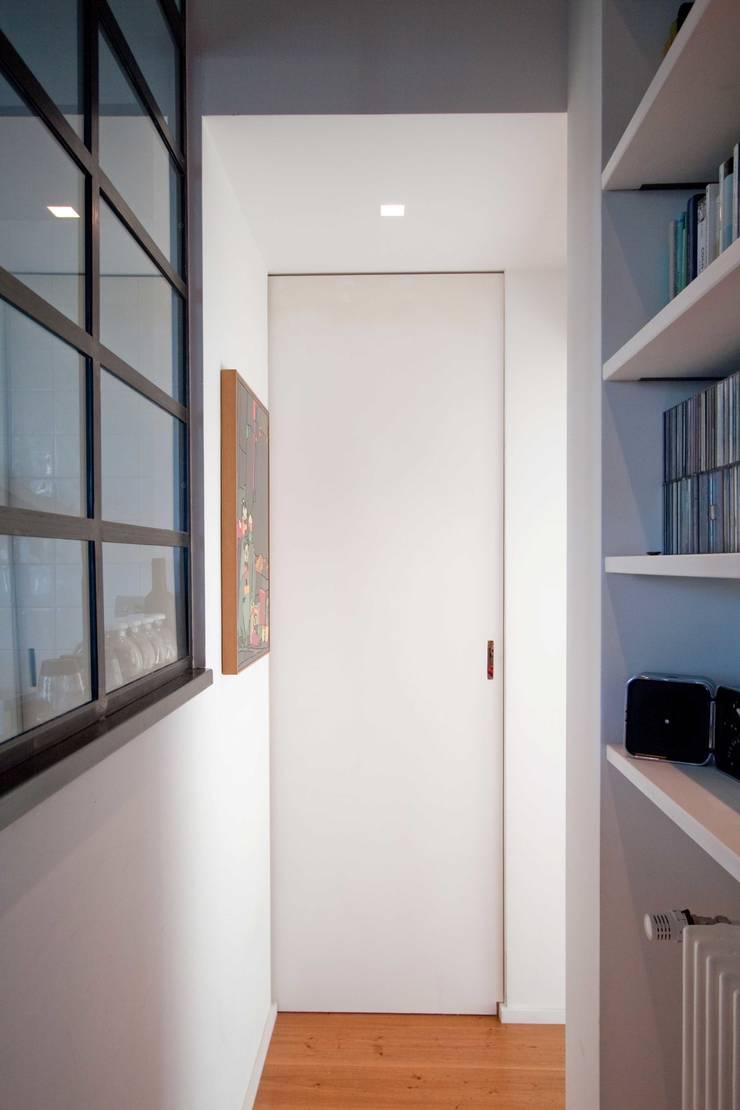 Eetkamer door Anomia Studio, Industrieel