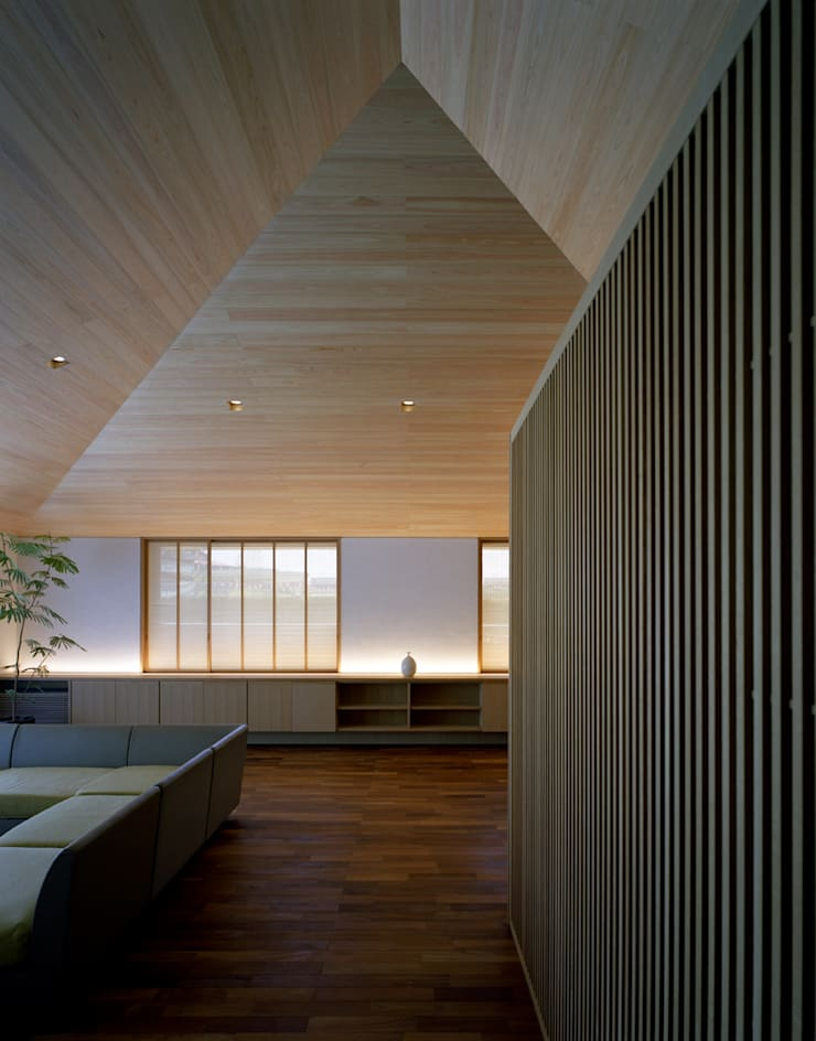 House in Satsuma Modern home by 柳瀬真澄建築設計工房 Masumi Yanase Architect Office Modern