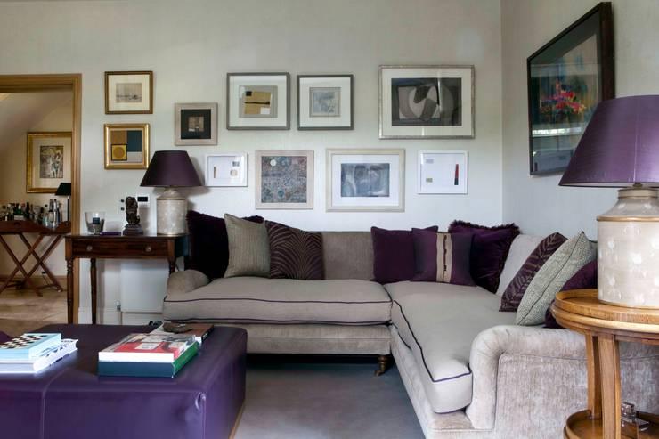 Living Room:   by Taylor Howes Design