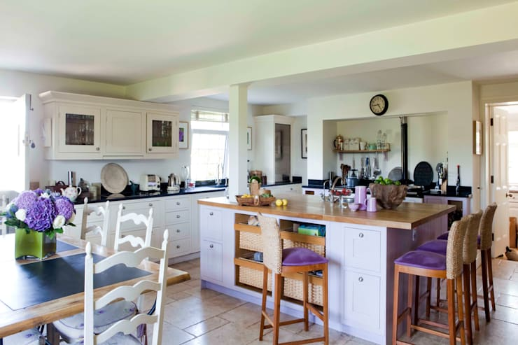 Kitchen:   by Taylor Howes Design