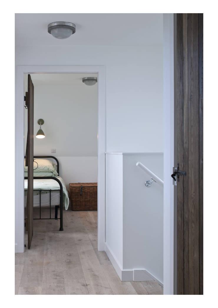 House No. 7:  Corridor & hallway by Denizen Works
