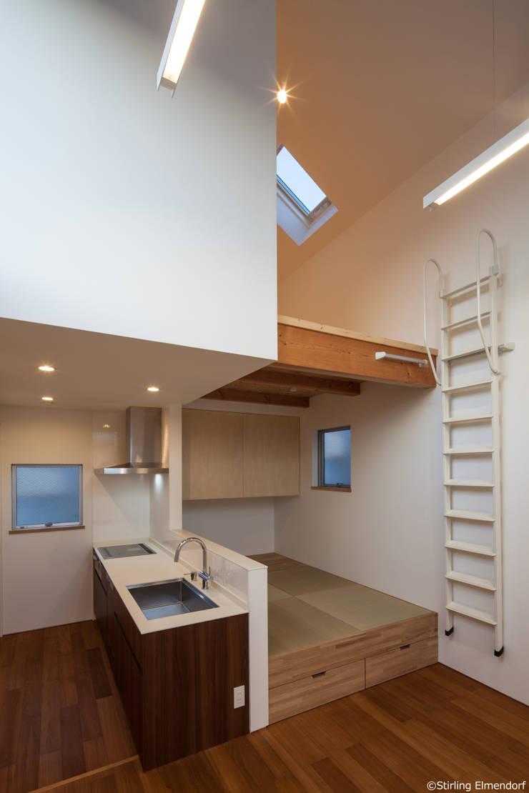 カタピラ/京都の変形狭小地に建つ住宅: 片岡英和建築研究室が手掛けた家です。