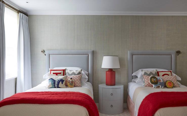 Apartment, Knightsbridge:   by Helen Green Design