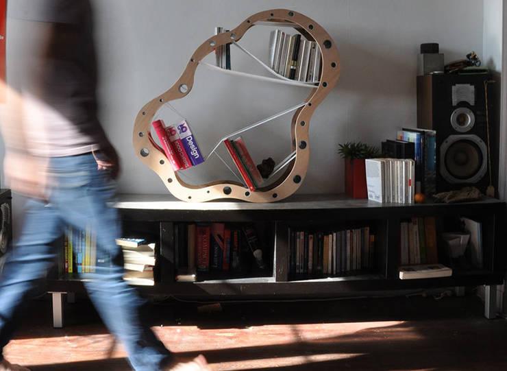 Une configuration possible: Salon de style  par Sullivan Jolly