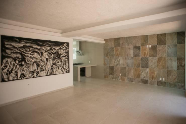 Remodelacion Casa <q>El Almendro</q>: Paredes de estilo  por zerraestudio