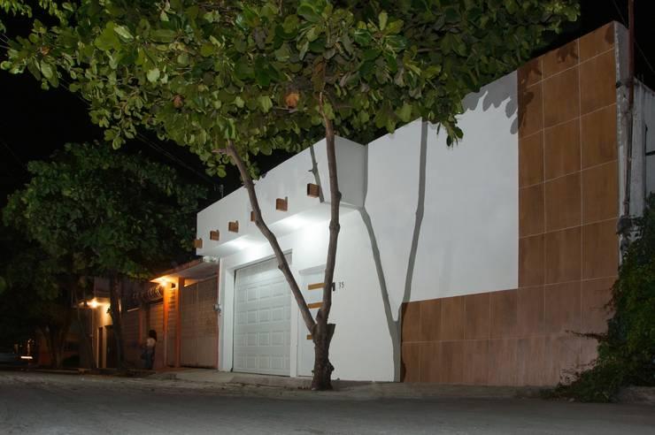 """Remodelacion Casa """"El Almendro"""": Casas de estilo  por zerraestudio"""