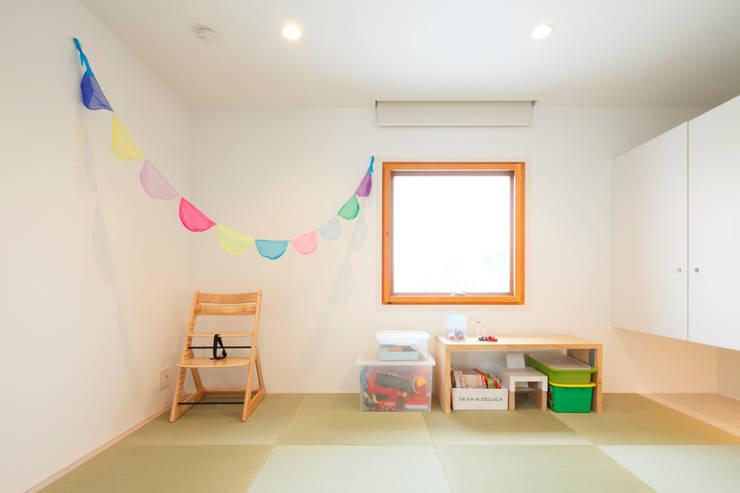 Trapezium House: Kichi Architectural Designが手掛けた和室です。