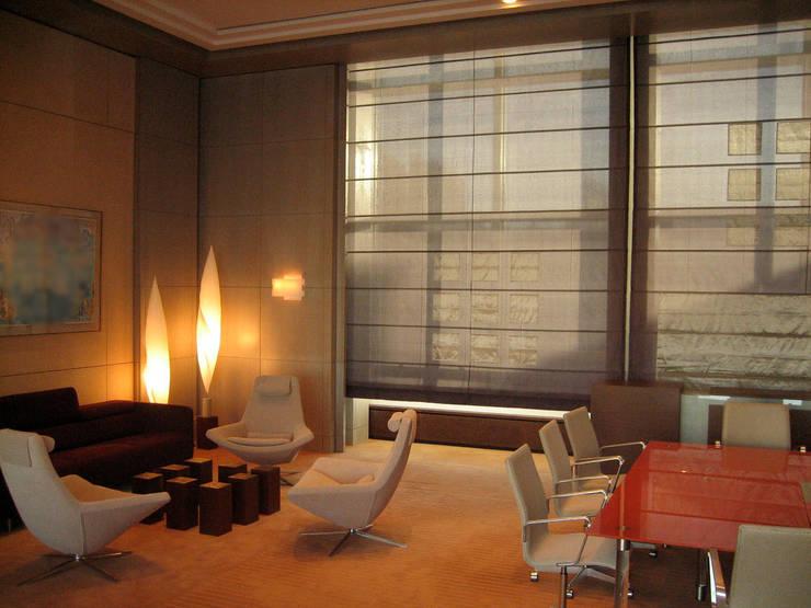 Bureau Direction générale: Bureaux de style  par Architectures²
