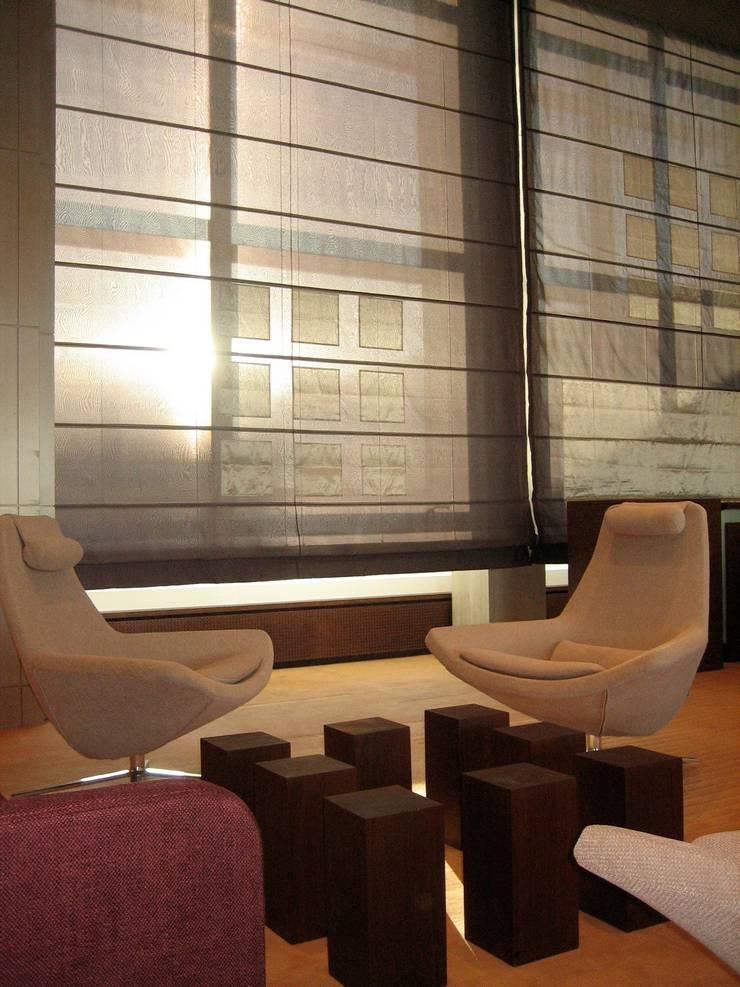 Rénovation Direction Générale: Bureaux de style  par Architectures²