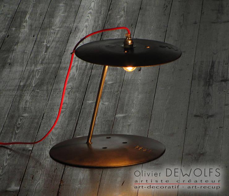 LUM-120:  de style  par Olivier Dewolfs