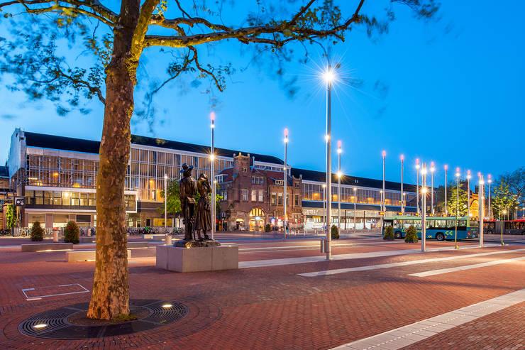 Stationsplein Haarlem / Rode Loper: modern  door wUrck, Modern