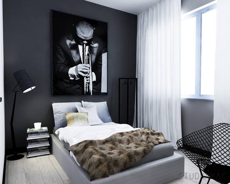 Projekt wnętrz domu jednorodzinnego: styl , w kategorii Sypialnia zaprojektowany przez STUDIO MAC