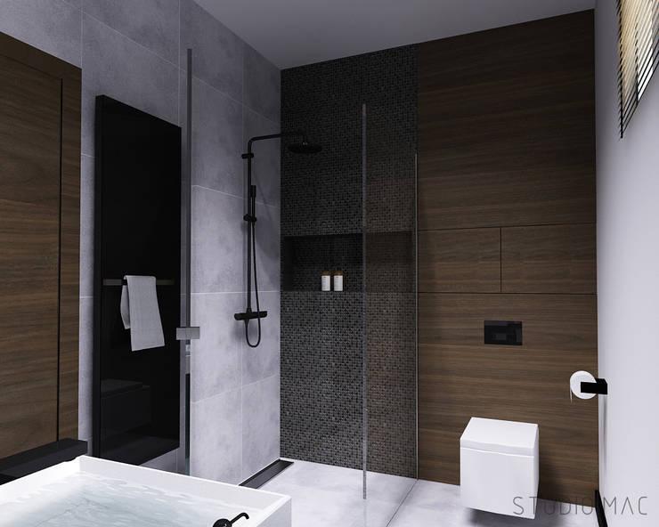 Projekt wnętrz domu jednorodzinnego: styl , w kategorii Łazienka zaprojektowany przez STUDIO MAC
