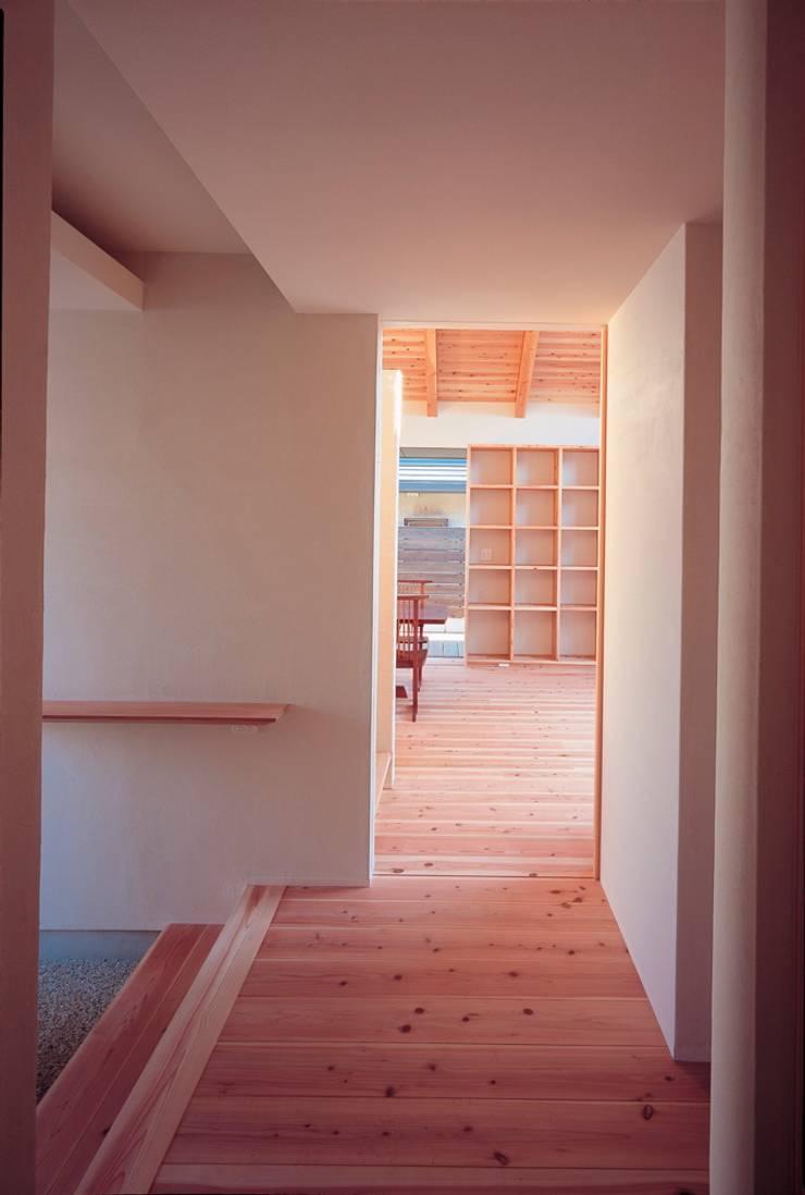 SATE -扠-: 作人 -Architecture Design Sakutto-が手掛けた廊下 & 玄関です。