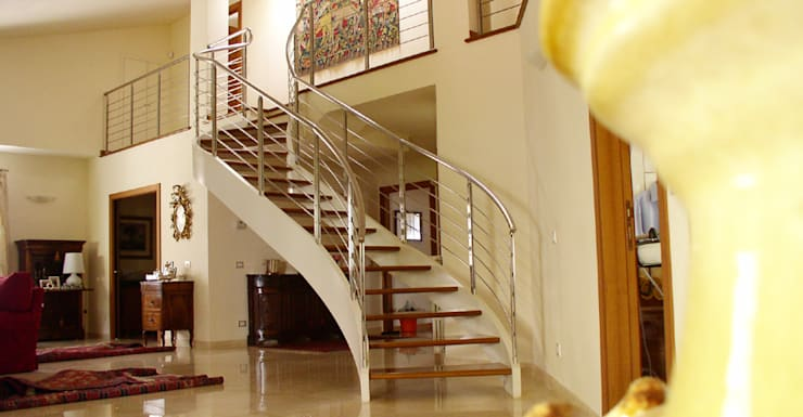 Soggiorni: Ingresso, Corridoio & Scale in stile  di Arredamenti Caneschi srl