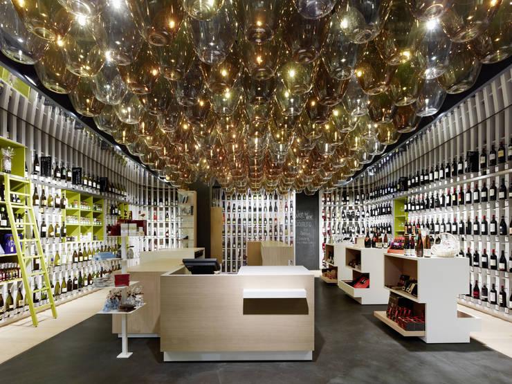 Wein & Wahrheit:  Ladenflächen von Ippolito Fleitz Group – Identity Architects