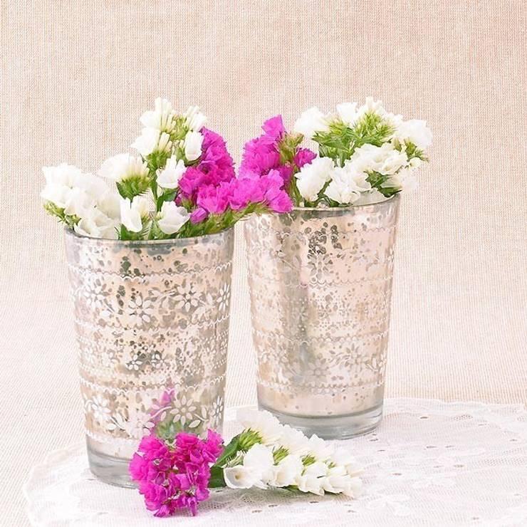 Vaso para vela de cristal antiguo decorado : Balcones y terrazas de estilo  de Beautifulbluebrides.com