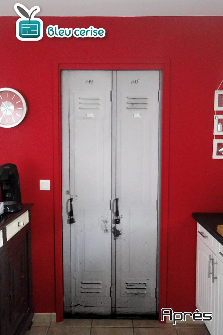 Porte aspect casiers industriesl:  de style  par Bleu Cerise