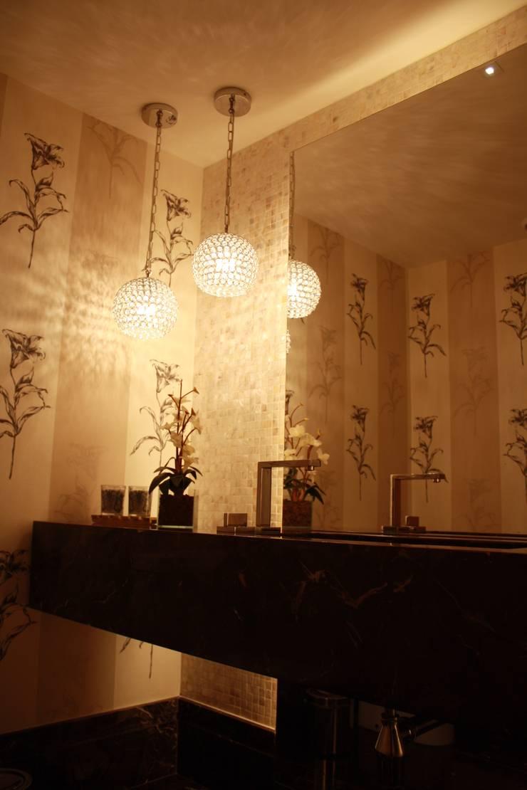LAVABO : Banheiros  por Leles Arquitetura e Iluminação