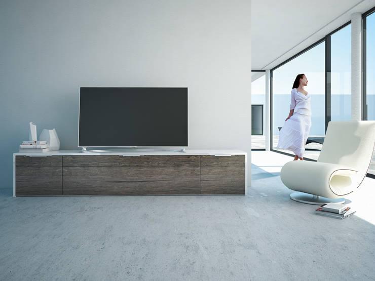 TV-Möbel mit viel Stauraum: moderne Wohnzimmer von Schnepel GmbH & Co. KG