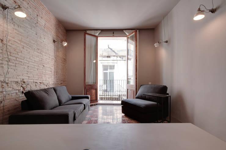 Projekty,   zaprojektowane przez Lara Pujol  |  Interiorismo & Proyectos de diseño
