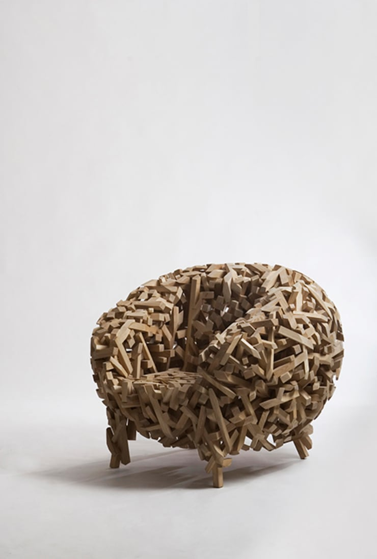 Crossed stick chair: lee3woong studio의  거실
