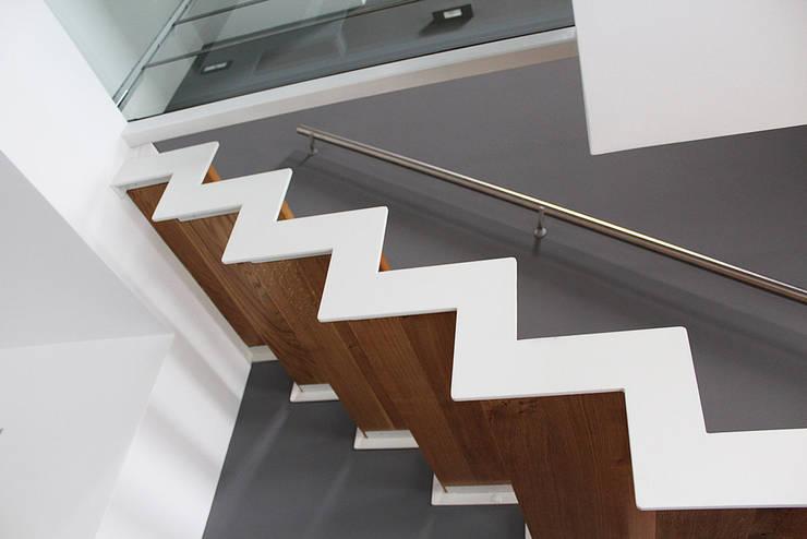 SAN BENIGNO HOUSE: Case in stile  di Studio 06, Moderno
