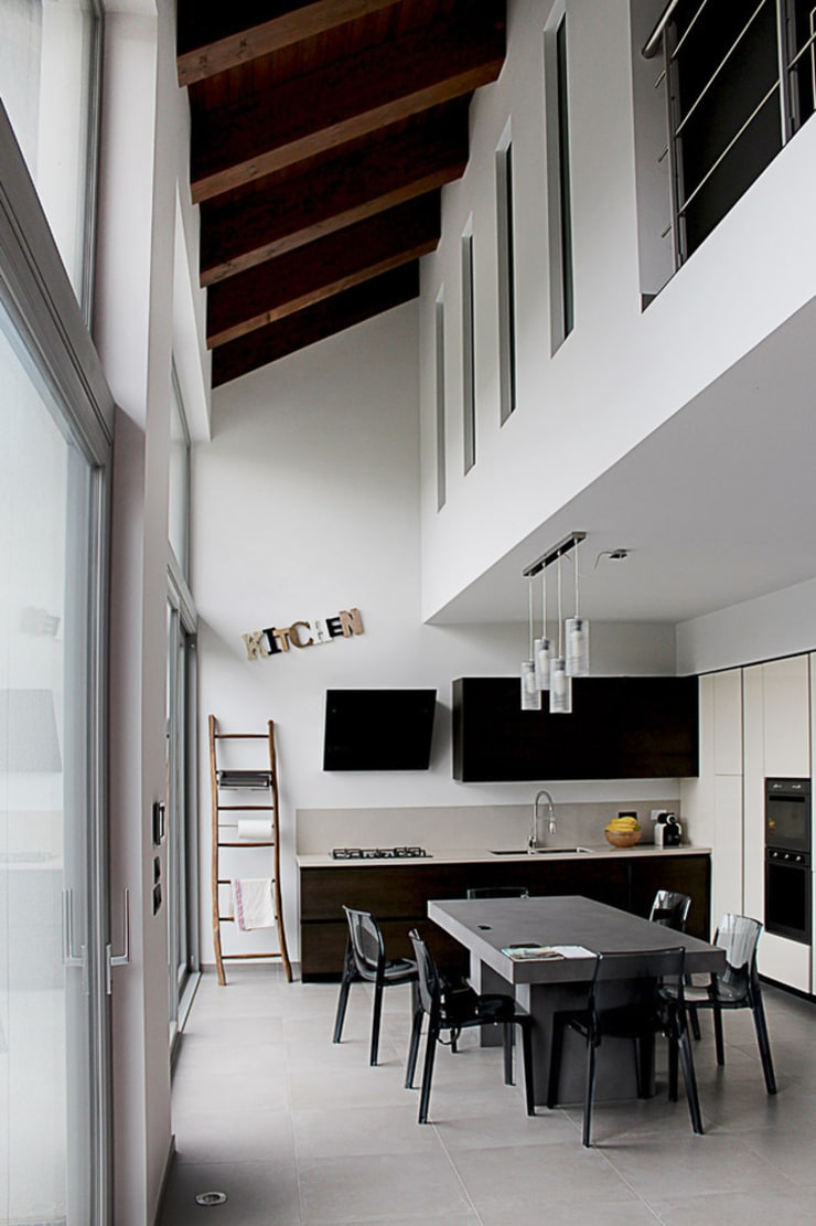 SAN BENIGNO HOUSE: Cucina in stile  di Studio 06, Moderno