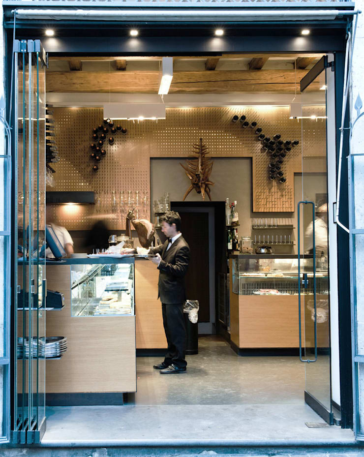 Bar Teichner ingresso:  in stile  di Anomia Studio