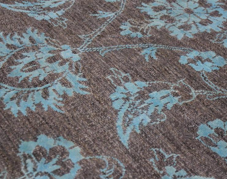 Ziegler 2.0:  Woonkamer door PJ van Aalst exclusieve tapijten BV,