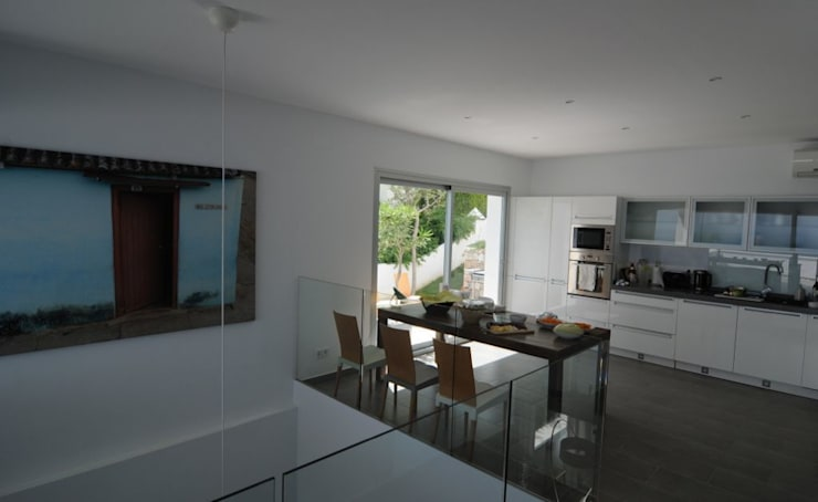 Кухни в . Автор – SH asociados - arquitectura y diseño