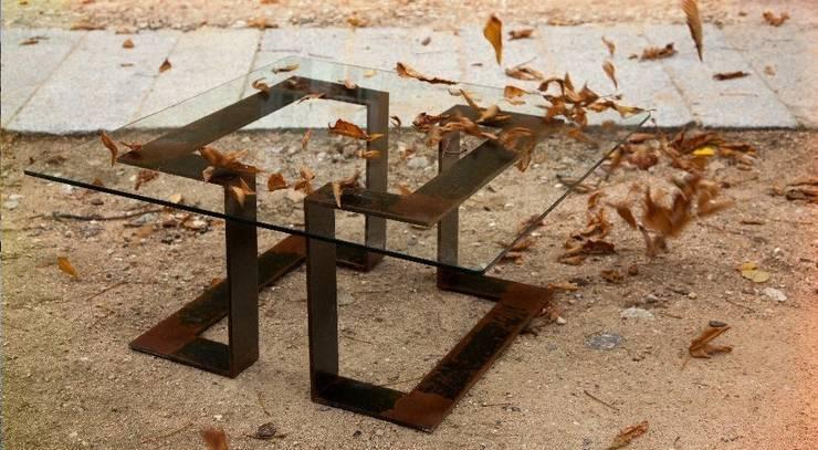 Mesa con patas de hierro: Hogar de estilo  de MUEBLES DE LA GRANJA
