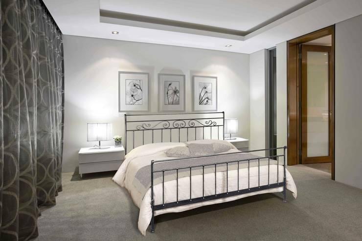 Bedroom تنفيذ Ferrari Arredo & Design