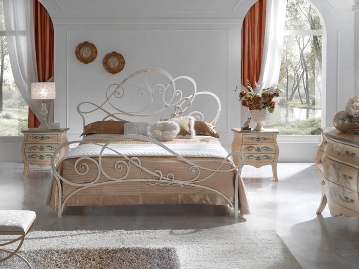 Projekty,  Sypialnia zaprojektowane przez Ferrari Arredo & Design