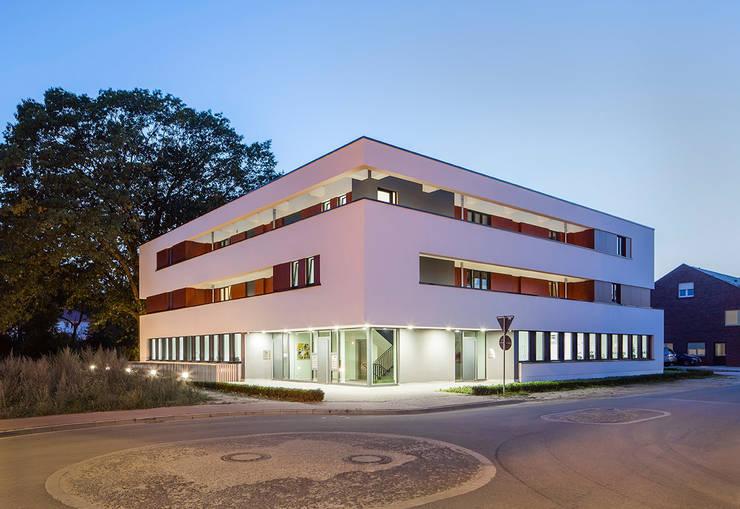 Nordhorn RAWE-West: modern  von Wessling + Walkenhorst Architekten bda,Modern