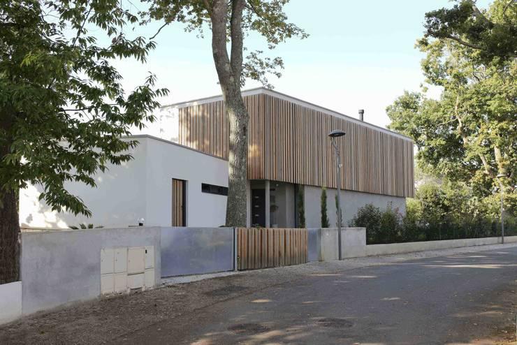 Maison neuve à Biarritz: Maisons de style  par Atelier d'Architecture Christophe Létot