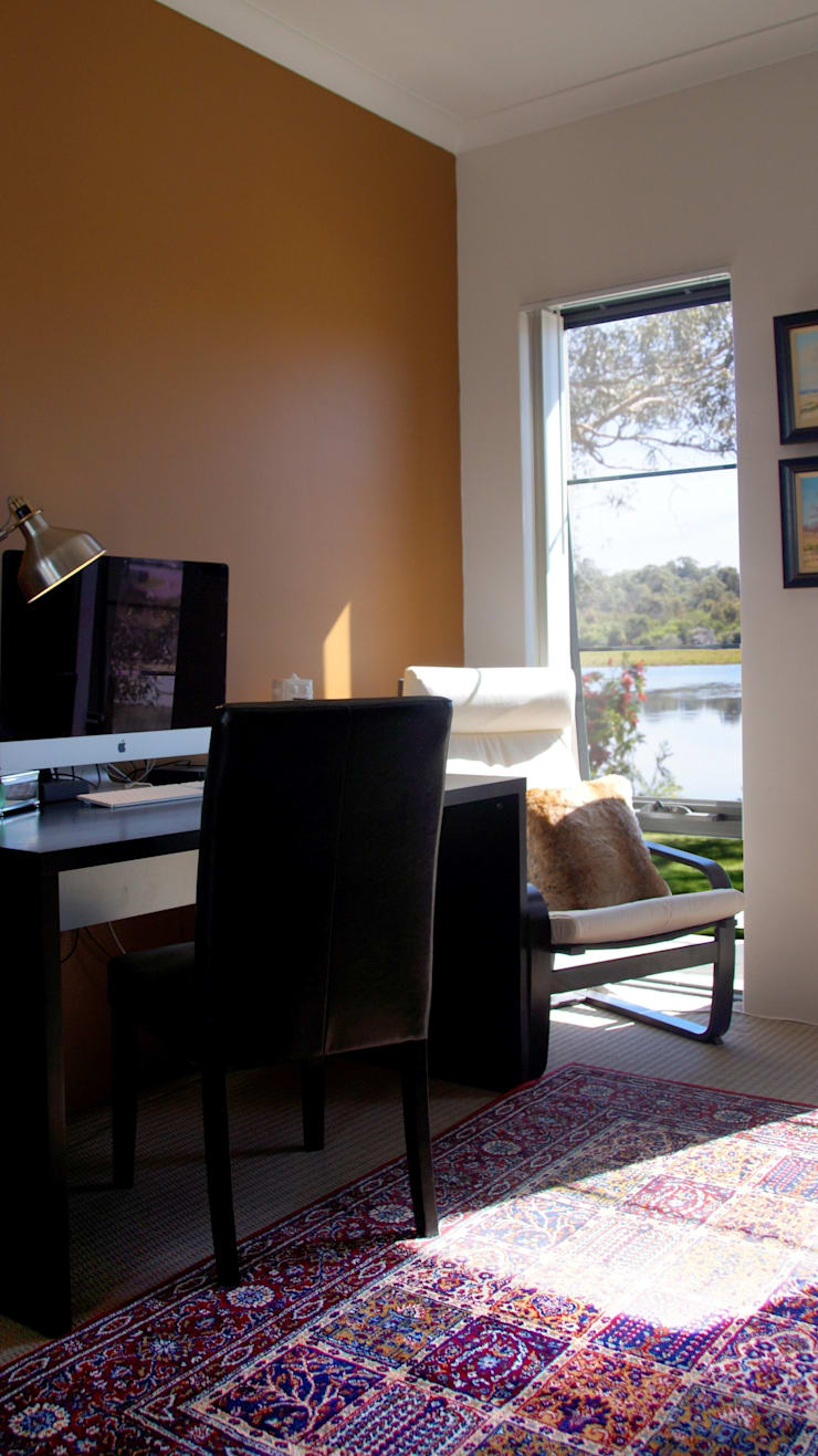 Home office:  Study/office by Adorn Interior Design