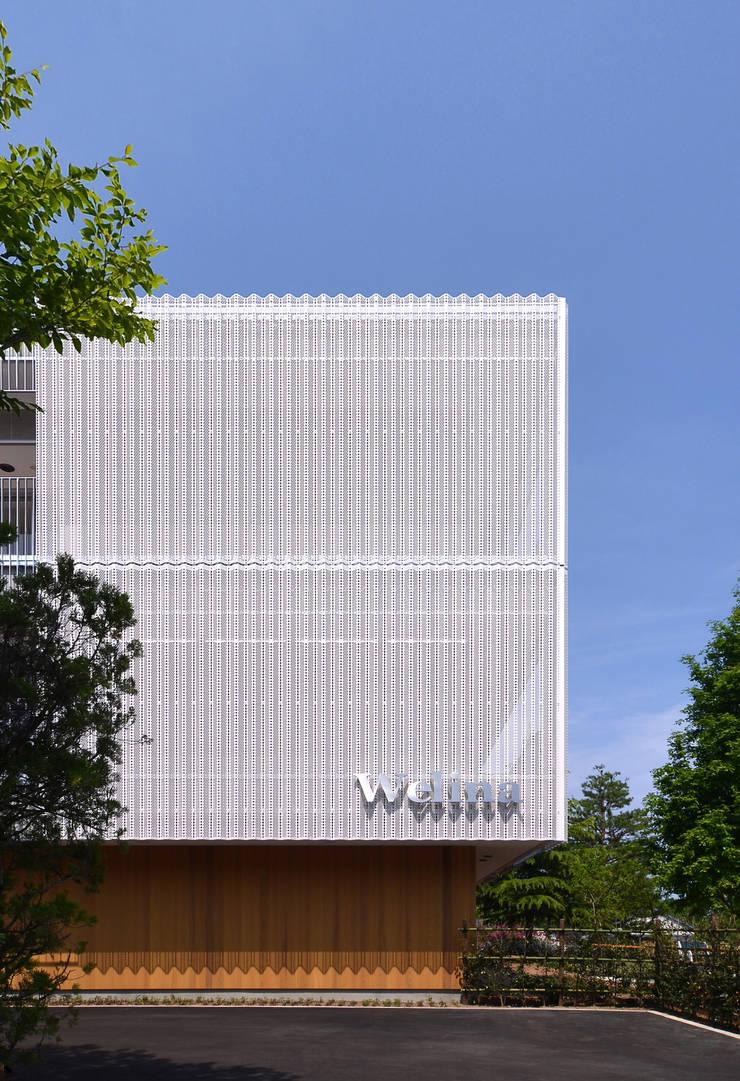 Welina: INADE architectsが手掛けた病院です。