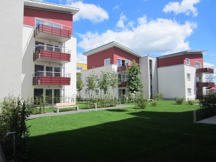 Blick in den Innenhof:  Häuser von aaw Architektenbüro Arno Weirich