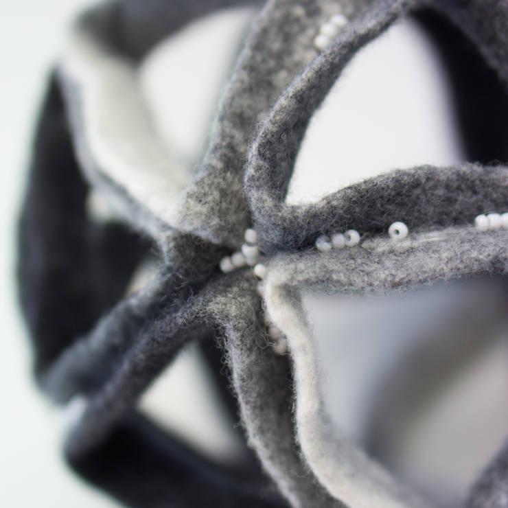 """détail sculpture """"icosaèdre"""" 2014: Art de style  par Maria Friese - Felt Design"""