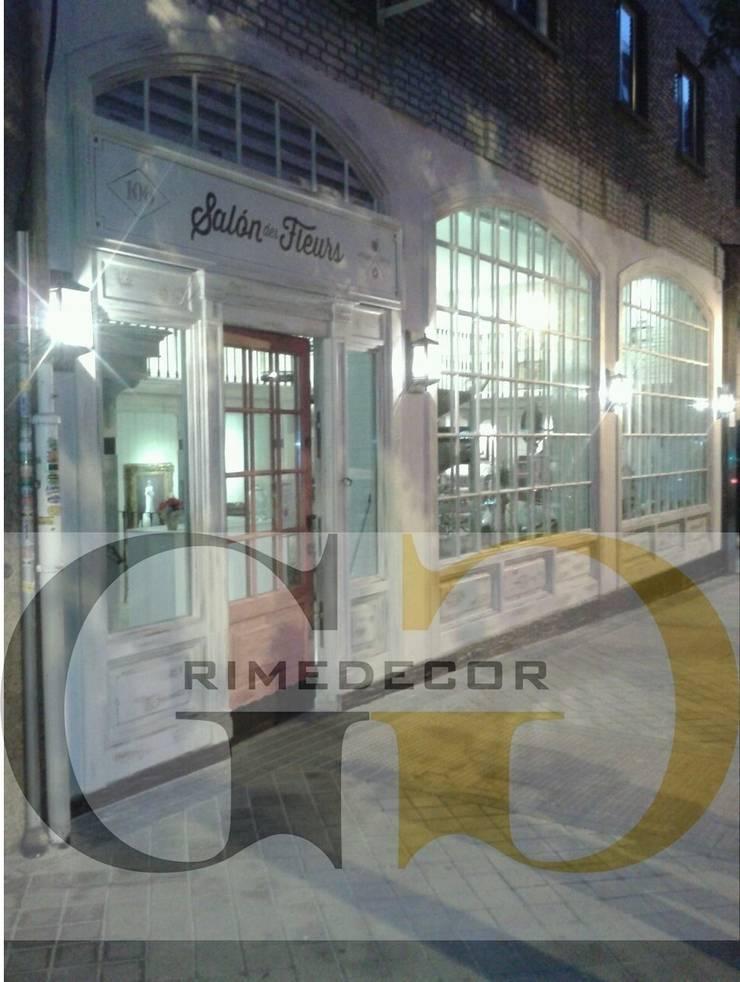 LOCAL COMERCIAL EN MADRID: Puertas y ventanas de estilo  de GREGORIO GUERRERO INTERIORISMO