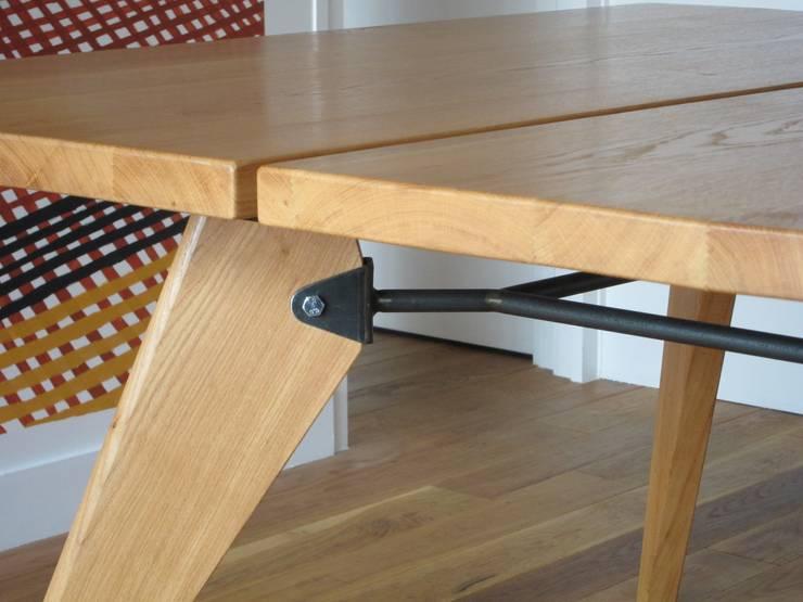 Table Zonco - Détail d'assemblage: Salle à manger de style  par Structures sur mesure