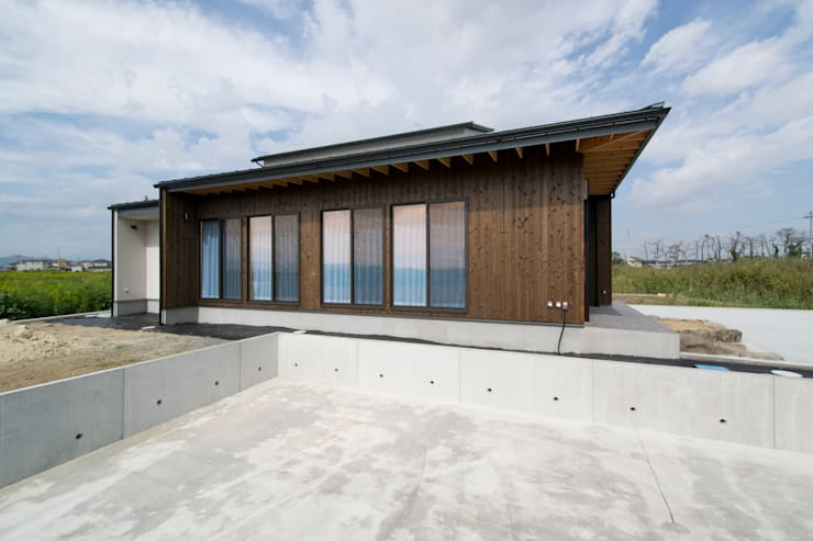 Projekty, azjatyckie Domy zaprojektowane przez 藤田渉建築設計事務所