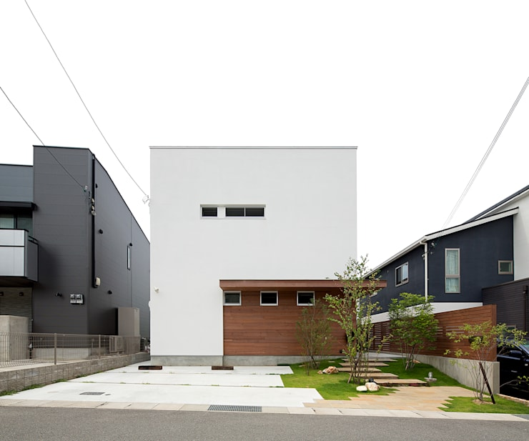 modern Houses by ラブデザインホームズ/LOVE DESIGN HOMES