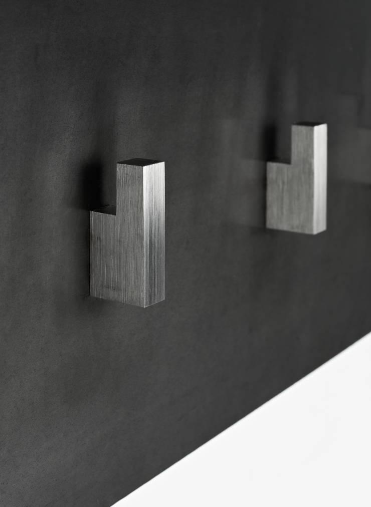 LENI WIMMER – HAKN: industriell  von Leni Wimmer Möbelbau,Industrial