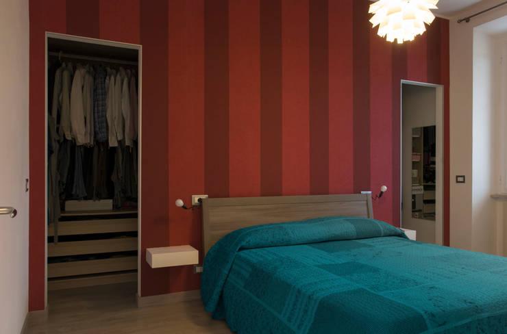 Residenza a Le Ferriere #B: Camera da letto in stile  di RAD