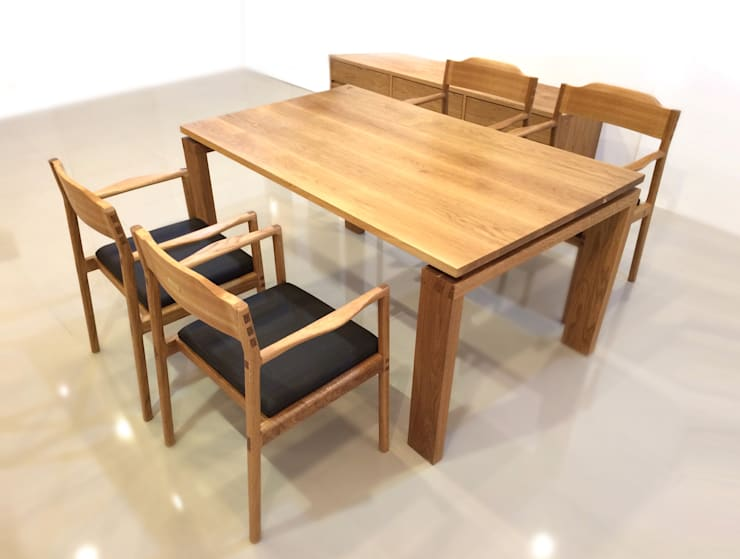 WHITE OAK TABLE SET: MOKNEE의 현대 ,모던